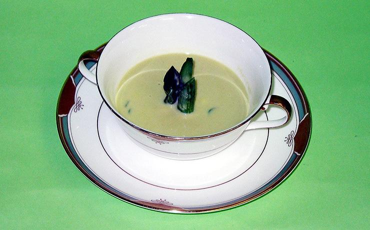 アスパラガスのクリームスープ写真